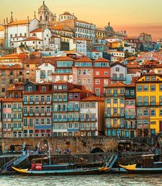 🇬🇧 A thousand houses of Porto at sunset. We love this wonderful city ❤ ⠀⠀⠀⠀⠀ ⠀⠀ ⠀ 🇮🇹 Migliaia di case in un tramonto a Porto. Visit Portugal, Portugal Travel, Places To Travel, Travel Destinations, Places To Visit, Monte Everest, Porto City, Voyage Europe, Travel Aesthetic