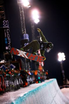X Games 2013 – Men's Snowboard Super-pipe Finals – Snowboarding Photographs – Guy Butler Photography | Guy Butler Photography | Freelance Commercial & Wedding Photographer in Romsey – Southampton