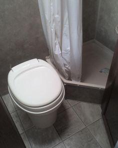 Small Rv Bathroom Design Ideas To Inspire You 63 Rv Bathroom, Bathroom Renovations, Bathroom Ideas, Bathtub Ideas, Bathroom Hacks, Bathroom Updates, Tiny Bathrooms, Bathroom Interior, Small Bathroom Organization