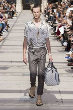 Louis Vuitton Spring-Summer 2017 - Paris Fashion Week #PFW