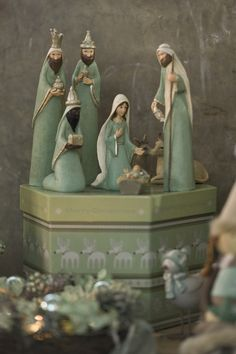 Legacy of Love by Kim Lawrence Nativity Set - Salvabrani Nativity Creche, Christmas Nativity Scene, Christmas Art, Christmas Projects, Winter Christmas, Christmas Decorations, Nativity Sets, Xmas, Happy Birthday Jesus