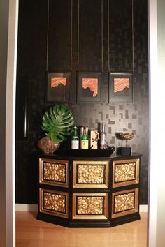 love the wallpaper..., although it is 3D, it could be done with 2 diff finishes of the same color of paint to the same effect