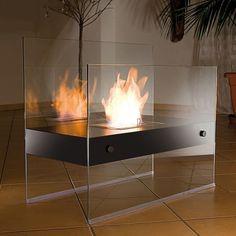 Du wünschst Dir eine behagliche Stimmung am Feuer, hast aber keine Lust auf den Qualm? Hier ist die Lösung: Der Deluxe Glaskamin wird mit Bioethanol betrieben!