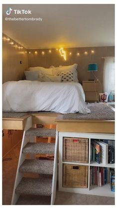 Small Room Design Bedroom, Cute Bedroom Decor, Teen Bedroom Designs, Room Ideas Bedroom, Home Room Design, Very Small Bedroom, Cool Room Decor, Men Bedroom, Loft Bed Room Ideas