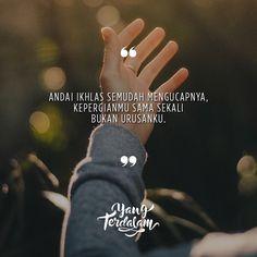 namun hati ini masih memberatkan kepergianmu. . Kiriman dari @maud.yy . #Berbagirasa #yangterdalam #quote #poetry #poet #poem #puisi #sajak