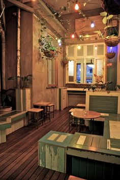 Thisis a uk eatery, and the wall color doesn't appeal to me, but I like the flexible looking reclaimed components. The Crosstown Eating House, Brisbane Cafe Bar, Cafe Restaurant, Cafe Coton, Cafe Interior, Interior Design, Coffee Room, Australia House, Cafe Design, Humble Abode