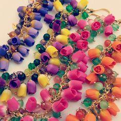 Handmade romantic tulip bracelets #bracelet #tulips #charmbracelets #handmadejewelry #flowers #insoujewelry www.etsy.com/shop/insoujewelry