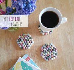 Shabby Mommy: DIY: Φτιάξτε πολύχρωμα σουβερ από μπάλες felt Felt Ball, Felt Diy, Coasters, Easy Diy, Shabby, Diy Projects, Tableware, Greek, Food