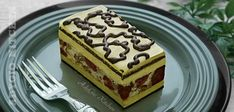 Prajitura Rumba cu nuca,visine si foi de napolitana adygio kitchen Homemade Cakes, Something Sweet, Food Cakes, Tiramisu, Cake Recipes, Ice Cream, Sweets, Ethnic Recipes, Kitchen