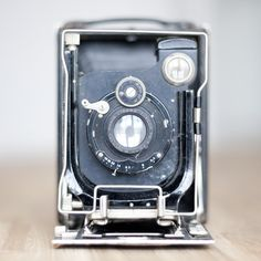 Got to love old cameras... oh the pictures this could have taken at some point in its life.