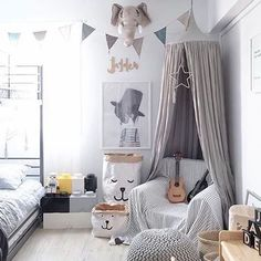 How amazing is this shared bedroom featuring our Tellkiddo storage bags? We have your storage solutions covered with our range of storage sacks from Sweden! View them now at the link in our bio. Have a great Tuesday lovelies!! Beautiful room via @jt_jaydentan
