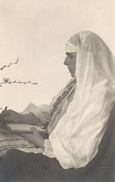 Queen Marie of Romania 1924