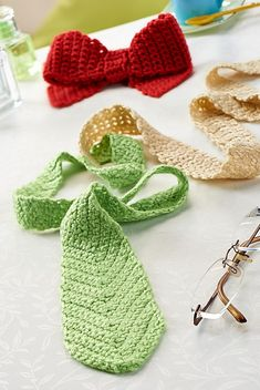 Ravelry: Crocheted ties pattern by Susie Johns/ It would be so neat to do a multi-colored one for men& rector or spir. Crochet Men, Crochet Bows, Crochet Toddler, Crochet For Boys, Love Crochet, Crochet Gifts, Crochet Scarves, Crochet Clothes, Knitting Scarves