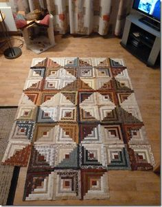 Love the colors in this log cabin quilt.