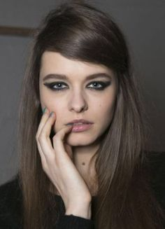 Do you prefer cool brown hair with blue and grey undertones? Check out these 35 ash brown hair color looks to pick the perfect smoky shade for your strands. Medium Ash Brown Hair, Cool Brown Hair, Brown Hair Looks, Ash Brown Hair Color, Medium Long Hair, Blue Ash, Second Day Hairstyles, Cool Hairstyles, Brown Hairstyles
