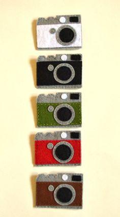 Camera felt brooch and pendant by Qcadas on Etsy, €10.00