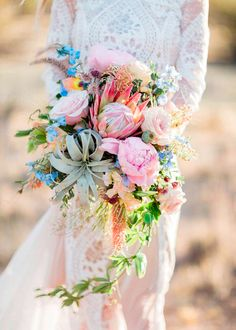 Wedding inspiration from EmmaHuntLondon X That bouquet.extraordinary ・・・ a bit of desert charm in this bouquet, no? Cascading Wedding Bouquets, Bride Bouquets, Bridal Flowers, Floral Wedding, Wedding Day, Bouquet Wedding, Trendy Wedding, Boho Wedding, Pastel Wedding Theme