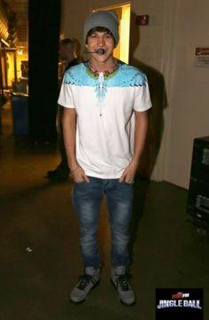 Austin Mahone At The Dallas Jingle Ball Awe Look How Happy he Looks❤️❤️❤️