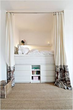 Having a small bedroom does not mean that you can slack in the décor section. Try these small bedroom decor ideas to transform your sleeping space. Bed Design, Interior, Small Bedroom Inspiration, Home, Small Apartments, Bedroom Design, Bedroom Inspirations, Small Room Bedroom, Platform Bed With Storage
