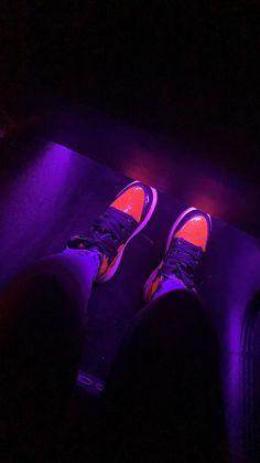 Jordan Shoes Girls, Girls Shoes, Tennis Shoe Heels, Sneakers Fashion, Shoes Sneakers, Snapchat, Nike Shoes Air Force, White Nike Shoes, Cute Black Guys