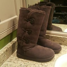 Brown Bailey Button Uggs Worn once UGG Shoes Winter & Rain Boots