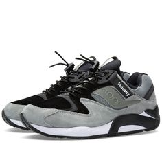 A new take on a classic runner from the, the 'Bungee Pack' is a strong new look for the Saucony Grid 9000, one of their most forward-thinking early '90s designs. This 2015 iteration plays host to all of the classic 9000 features, such as the grid cushioning system based on the construction of spider webs and visible heel window, with an upgraded finish in premium suede and leather with mesh uppers and a 'bungee' elastic lacing feature.  Suede & Leather Uppers Nylon Mesh Panels GRID System…