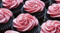 "Love this: ""Make your own natural red food dye for Valentine's treats"""
