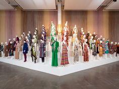 La mostra MISSONI, L'ARTE, IL COLORE sarà esposta al Fashion and Textile Museum di Londra dal 6 maggio 2016 e comprende oltre 40 dipinti di artisti europei del Novecento che hanno influenzato il lungo viaggio culturale ed artistico di Missoni