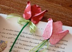 Tulip Bookmarks...a good gift to make for Mother's Day (Scrapbook paper, glue dots, pipe cleaners & ribbon)