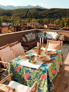 Come arredare un terrazzo spendendo poco - Terrazzo, Outdoor Furniture, Outdoor Decor, Sweet Home, Table Settings, Bed, Design, Home Decor, Houses