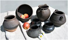 Merovingian cooking pots.  Need to see about getting some of these made.  Keramik der Merowingerzeit