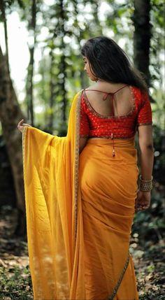 Beautiful Girl Indian, Beautiful Saree, Beautiful Indian Actress, Beautiful Blouses, Beauty Full Girl, Beauty Women, Saree Photoshoot, Indian Actress Hot Pics, Saree Models