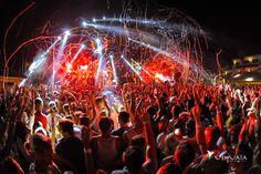 Ushuaia Ibiza loves partying with you! // Ushuaia Ibiza encanta estar de fiesta contigo.