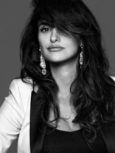 Penelope Cruz by Nico for The Edit August 2013 Penelope Cruze, Spanish Actress, Salma Hayek, Oscar, Julia Roberts, Gal Gadot, Beautiful Actresses, Pretty People, Gorgeous Women