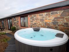 The Alley, Portreath, Cornwall, England, Sleeps 6, Bedrooms 3, Self-Catering Holiday Cottage With Hot Tub. Pet Friendly.