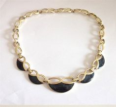 VINTAGE 50S GOLD TONE CHUNKY CHAIN PANEL NAVY BLUE GLOSSY ENAMEL COLLAR ENCKLACE
