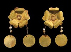 Flowers, gold flowers adorned with pearls worn as decoration by the Bactrian nomads. Bactrian gold, 1st century BCE, Bactria, Afghanistan.