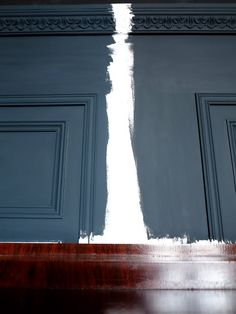47 Park Avenue: reception Farrow and Ball colours: railings vs off black Exterior Paint Colors For House, Kitchen Paint Colors, Paint Colors For Home, Exterior Colors, Exterior Design, Paint Colours, House Colors, Farrow Ball, Farrow And Ball Paint