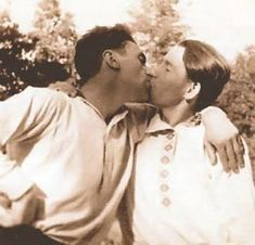 Vintage photographs of gay and lesbian couples and their stories. Vintage Couples, Vintage Love, Vintage Men, Vintage Sailor, Lgbt Couples, Cute Gay Couples, Vintage Photographs, Vintage Photos, Vintage Friends