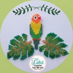Bead Crochet Patterns, Beaded Jewelry Patterns, Peyote Patterns, Beading Patterns, Seed Bead Flowers, Beaded Flowers, Seed Beads, Brick Stitch Patterns, Beaded Crafts