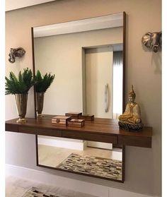 Ein Regal vor einen Spiegel zu stellen ist so ein Gre . Home Living Room, Living Room Designs, Living Room Decor, Entrance Hall Decor, Entryway Decor, Living Room Entrance Ideas, Entrance Halls, Hallway Decorating, Wall Decor