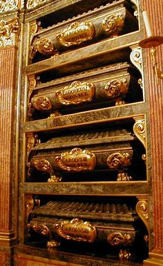 Murcia, Escorial Madrid, Reyes, Spain Travel, Monuments, Beautiful World, South America, Home Art, Whiskey Bottle