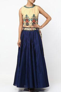 Blue thread embroidered lehenga set.  #carma #shopitatcarma #carmaloves #instadaily #fashiondaily #fashionupdates #instafollow #luxury #floral #indianfashion #musthave #sagegarden #diwaliedit #diwalispecial #ethnic #kurtasets #anarkalis #getthislook #shopping #shopnow #onlineshopping #festive #elegant #madetoorderdress #designerlehenga #lehengaonline #bluelehenga #beigelehenga #silklehenga #multicoloured #latestlehengaonline