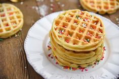 Easy Homemade Waffles Recipe for a fun family breakfast! Thick, crispy, fluffy, waffles at home! sprinkles on top Small Batch Waffle Recipe, Waffle Batter Recipe, Easy Waffle Recipe, Waffle Recipes, Buttermilk Recipes, Homemade Buttermilk, Easy Meals For Kids, Toddler Meals, Kids Meals