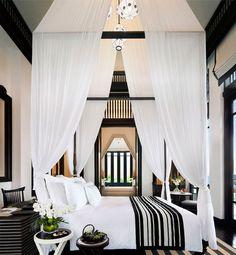 love the white drapes