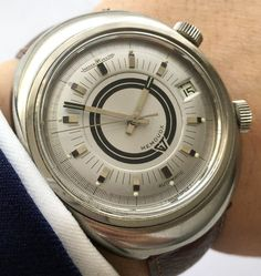 Jaeger leCoultre Vintage with teardrop lugs steel black dial Retro Watches, Old Watches, Antique Watches, Vintage Watches, Watches For Men, Pocket Watches, Wrist Watches, Jaeger Lecoultre Watches, Men Accesories