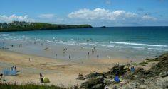 Fistral beach in Newquay Cornwall Newquay Cornwall, Seaside Towns, Sandy Beaches, Beautiful Places, Places To Visit, Water, Holiday, Summer, Outdoor