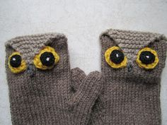 Down Cloverlaine: Whoo Gives a Hoot? Too cute owl mittens!