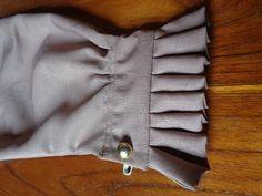 Cara mudah membuat manset rempel - YouTube Chudidhar Neck Designs, Neckline Designs, Dress Neck Designs, Stylish Dress Designs, Sleeve Designs, Kurti Sleeves Design, Kurta Neck Design, Sleeves Designs For Dresses, Sewing Sleeves