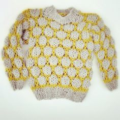 Handknitted wool sweater for children by Shisa Brand / Faroe Islands